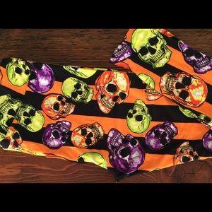 NWT LuKaRoe Skull Leggings Sz TC2